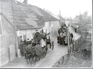 Begrafenis aan de Charloisse Lagedijk